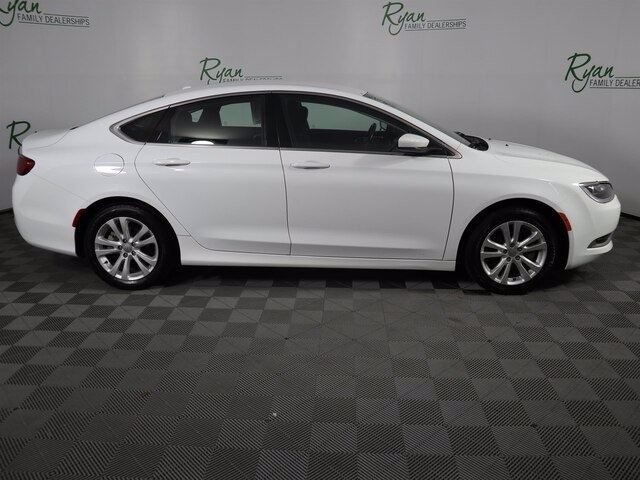 Pre-Owned 2015 Chrysler 200 Limited
