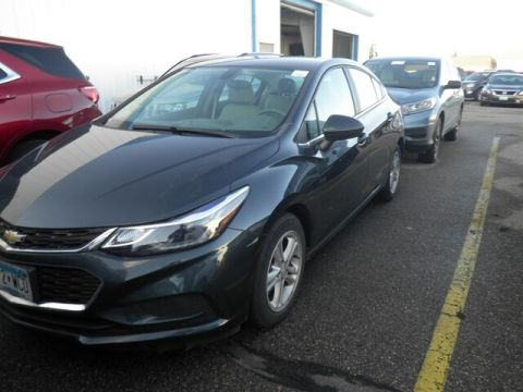 Pre-Owned 2017 Chevrolet Cruze LT Auto